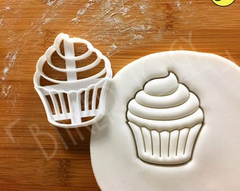 Cupcake cookie cutter | baking fairy cake patty pastry chef tea party pâtissier pâtissière bakery baker frosting cupcakes muffin biscuit