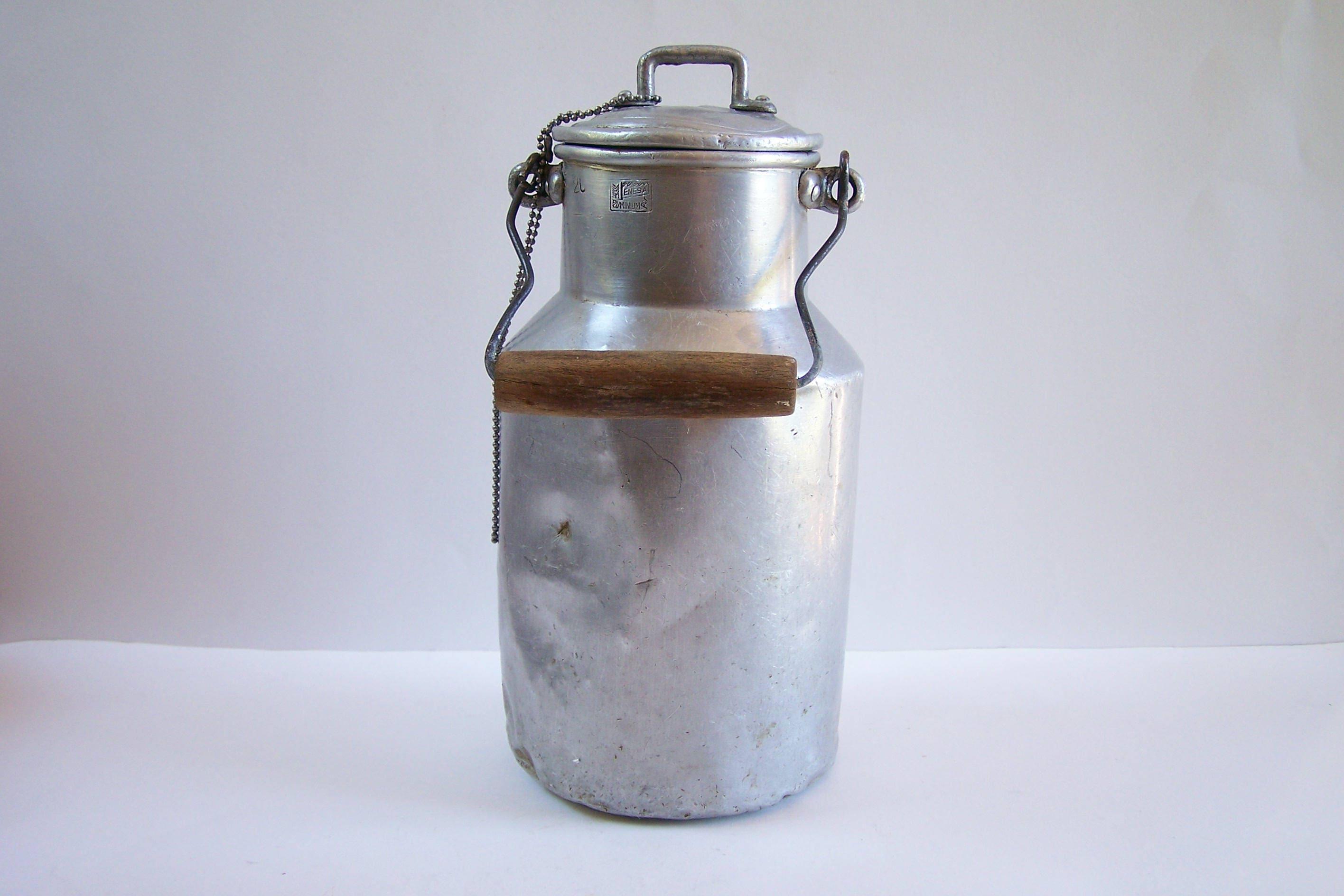 pot 224 lait en aluminium menesa ancien pot au lait vintage 1950