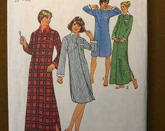 Simplicity 7723 - 1970s Unisex Nightshirt in Knee or Maxi Length - Size Large Chest or Bust 38 - 40
