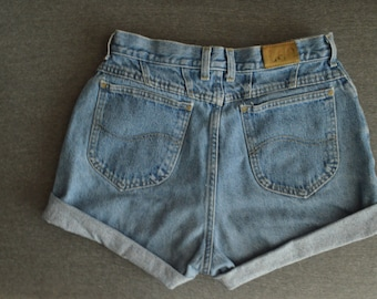 high waisted LEE Size 29 cut off jean shorts
