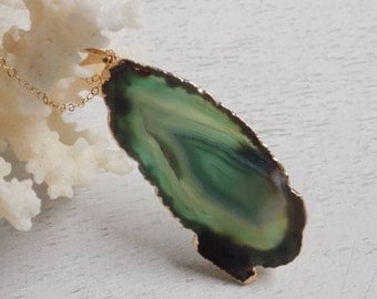 Boho Necklace, Agate Necklace, Green Agate Necklace, Slice Agate Pendant, Sliced Agate Necklace, Statement Necklace, Layer Necklace, 8-89