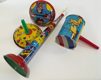 Vintage tin litho Tin Horn and Noisemakers U.S Metal toy Mfg Made in USA
