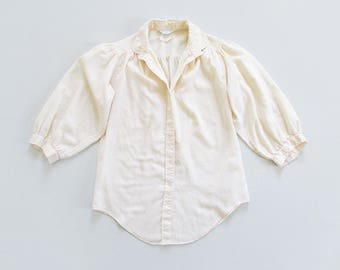 vintage cream blouse / lightweight button down shirt / round collar pinstripe top with three quarter sleeves / womens M