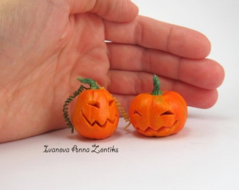 Miniature pumpkin for dollhouse. Miniature vegetables. Pumpkin for Halloween. Pumpkin miniature. Pumpkin toy. Pumpkin in your Dollhouse