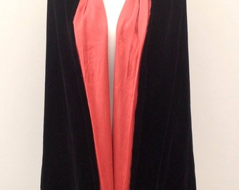 1920s velvet opera cape with pink satin by Bourne and Hollingsworth, London vintage antique flapper