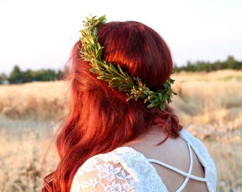 Green leaf crown, green bridal wreath, boho leaf crown, natural flower crown, green hair wreath, green lead headband, woodland crown