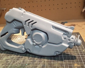 Tracer Pistol - Overwatch Resin Prop Kit