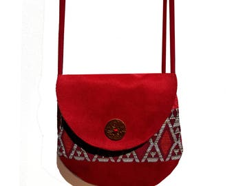 little red shoulder bag