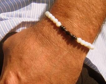 BRACELET Homme  Perles nacre blanc, Pierre Onyx noir, bracelet Mala Yoga boho, cristaux du Guérison, cadeau homme/femme