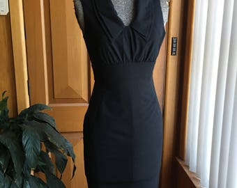 Sophisticated black Cue pencil dress - size 6
