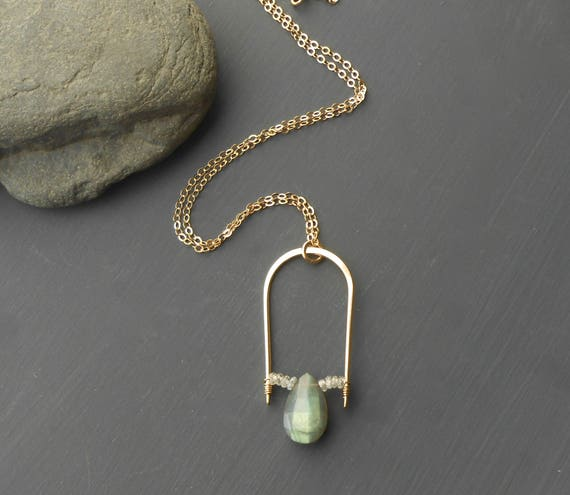 Gold Filled Labradorite Pendant Necklace