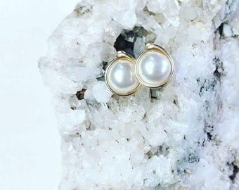 Pearl Stud Earrings, Minimalist Earrings, June Birthstone Earrings, Gold Stud Earrings