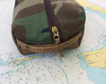 Dopp Kit: Military uniform and Leather