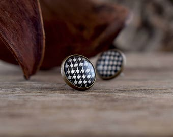 Houndstooth earrings, Stud earrings, Houndstooth jewelry Houndstooth studs, Geometric earrings, Black white earrings Alabama earrings GJ 081