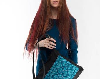 Ukrainian embroidery / Blue canvas tote / Canvas crossbody bag / Black messenger bag / Black canvas backpack / Bag-transformer for everyday.