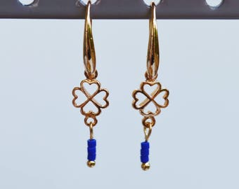 Earrings gold and blue, glass and gold plated, four leaf clovers