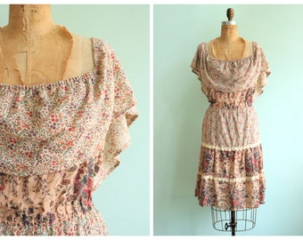 Vintage 1970's Floral Tiered Cotton Dress | Size Extra Large