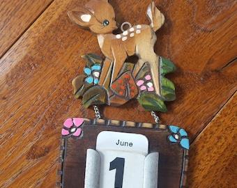 Darling Little fawn hanging calendar