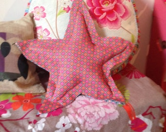 Cushion blanket deco star, very pink!