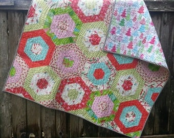 Holiday Hexi Quilt