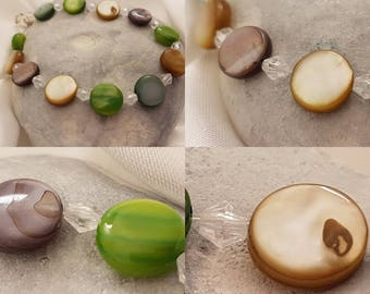 Mother of pearl bracelet in earth tones