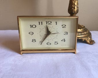 Vintage General Electric Alarm Clock, Model #7292, Vintage 1972 WORKING, Retro GE Alarm Clock, Faux Wood and Gold Tone Case Large Retro Face