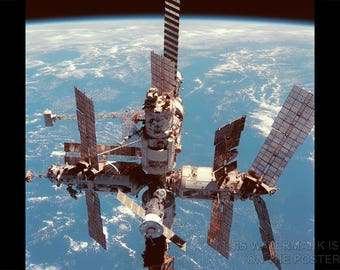 Poster, Many Sizes Available; Mir Space Station