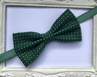 Elegant green bowtie model points