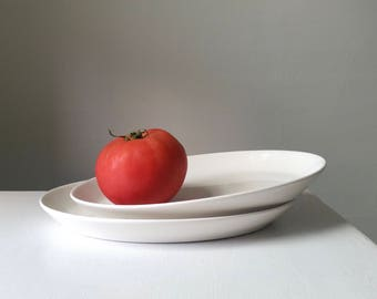 White Antique Platter . Vintage Modern . Syracuse China . Restaurant Ware . Classic Serving Plate