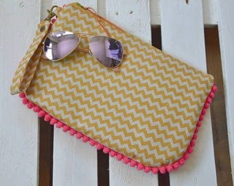 Handmade leatherette and fabric zig zag lines beije and Ochre Cluchtbag