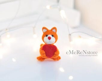 Needle Felted Cat , red cat with heart, felted cat in orange and white,cute Cat,Handmade Miniature Cat,Little Cat, Wool Cat, red heart