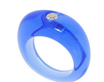 Blue ring, resin and diamonds