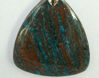 Choker necklace made of lapis lazuli with chrosocolle pendant