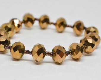 Lovely gold tone beaded bracelet