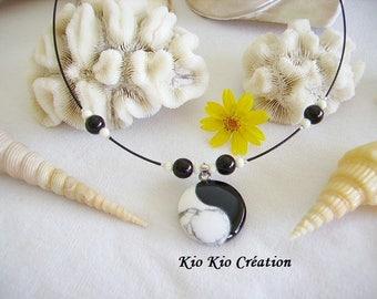 Yin and yang, white howlite stone pendant and black onyx Choker, Pearl glass and bone, extension chain, metal argentebijou fashion
