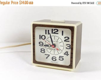 ON SALE Vintage Mod GE Electric Alarm Clock, Wood Grain Alarm Clock, 60s 70s Electric Alarm Clock, Analog Clock, Clock with Hands, Modern Wo