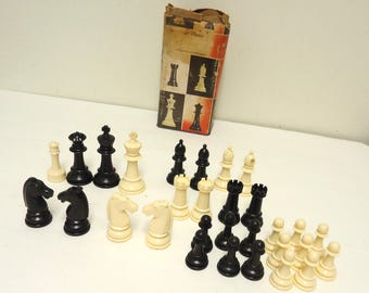 vintage staunton design plastic chess pieces small,replacement parts,art craft supply
