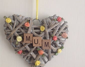 Mum wicker heart with dainty flower decoration