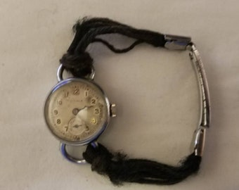Vintage CYMA Swiss Made 15 Jewels Wind-up Ladies Watch