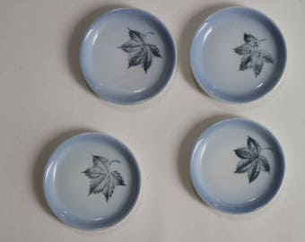 Scandinavian porcelain: Set of 4 small plates with leaves - blue