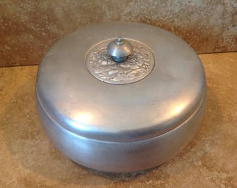 aluminum covered dish