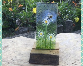 Daisy Flower Flower, Fused Glass Panel on Wood Stand -  Minerva Hot Glass, Christmas Wedding Mum Dad Gift
