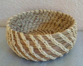 Hand Crafted Native American Pine Needle Yucca Valley Indian Woven Basket Bowl 4""