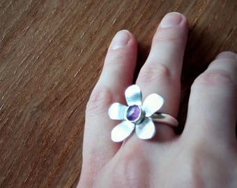 Sterling Silver  and Amethyst Flower Ring - Size 6.5