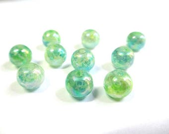 shiny 19 beads speckled green and blue glass 8mm (C-42)