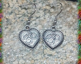 1 pair of antique silver symbol stainless steel earrings