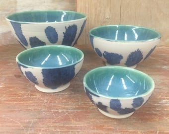 Set of 4 Porcelain Mocha Diffusion Bowls in Turquoise and Cobalt