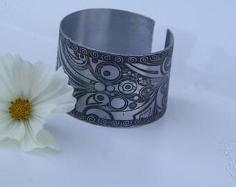 MODERN aluminum etched bracelet