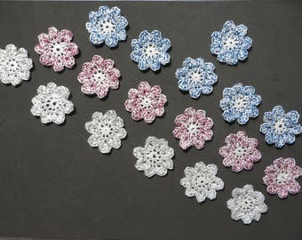 A set of 18 flowers made of Mercerized cotton, diameter 3.5 cms