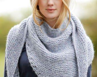 Hand Knitted  triangular shawl, Alpaca, Wool, Polyamid, gift for her